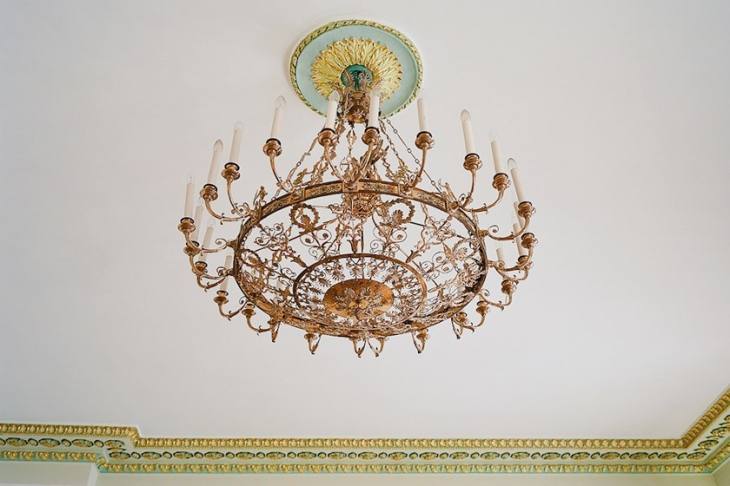 Chandelier, gifted to the Lazarev institute.